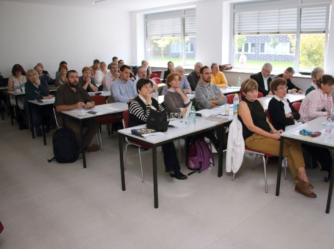 I-T SHAPE (European Level Competitive IT Certification for the Hungarian Vocational Education)